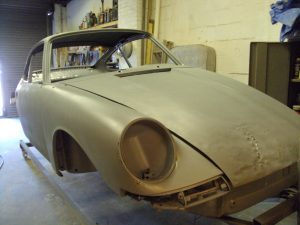 How to remove paint from a Porsche 911 - paint primed