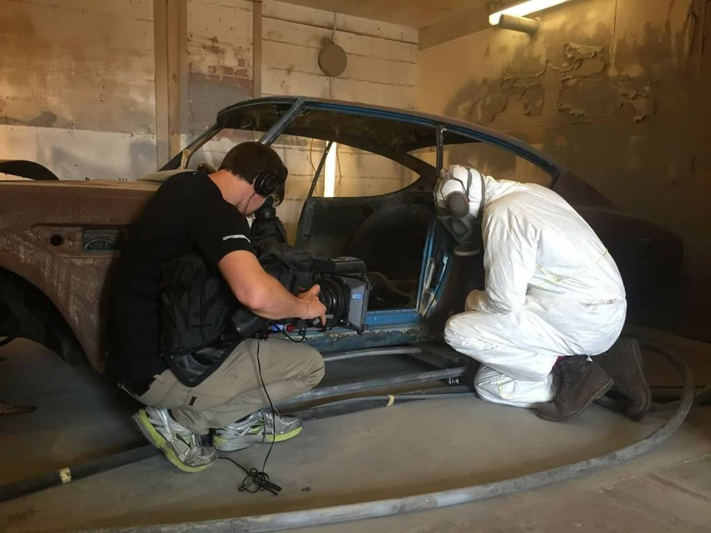 Car SOS soda blasting